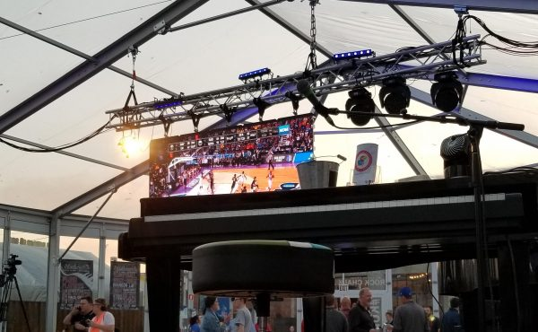 brick-and-mortar-wichita-kansas-venue-arena-district-the-glass-tent-dueling-pianos-NCAA-game-led