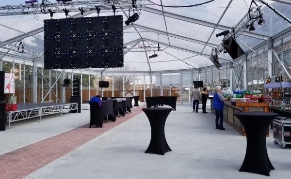 brick-and-mortar-wichita-kansas-venue-arena-district-the-glass-tent-house-tall-tables-setup-bar